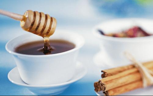 miele e cannella per mal di denti artrite e reumatismi