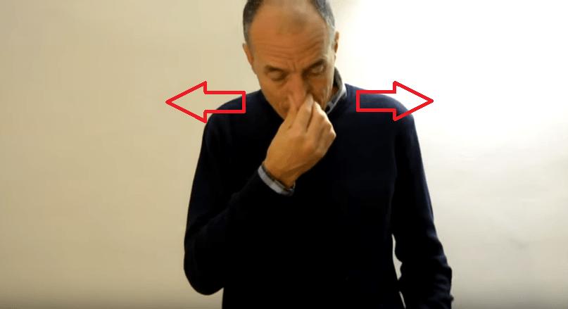 Raffreddore: Basta questo semplice esercizio per liberare il naso chiuso in un minuto 2